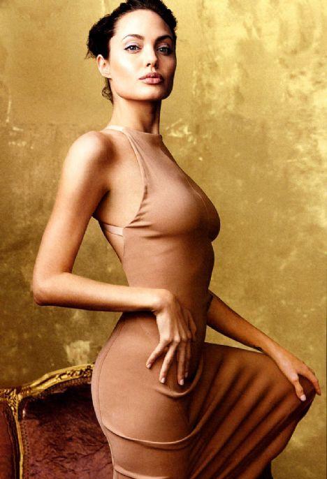 Jolie'nin şok pozları - 38